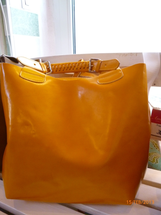 Shopper aus Leder, gelb