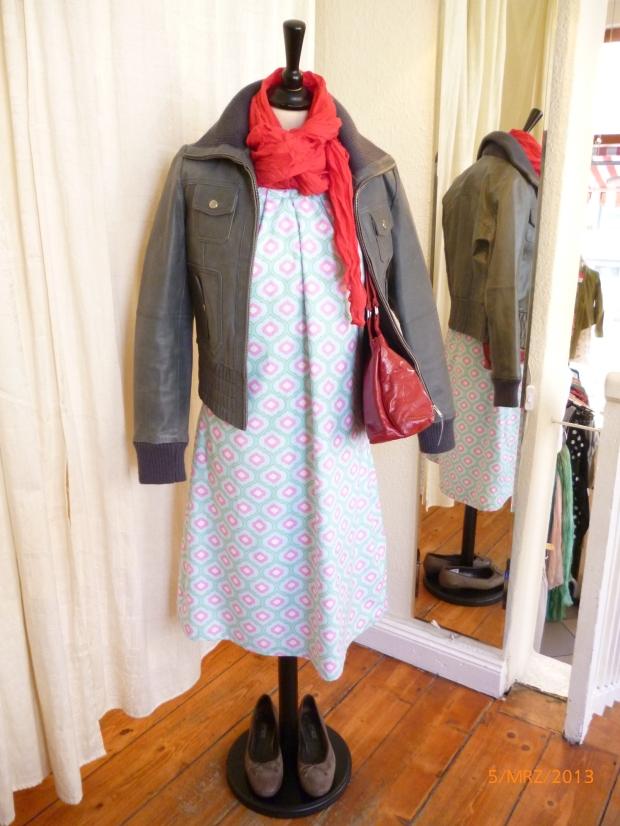 Kleid, handmade mit Lederjacke
