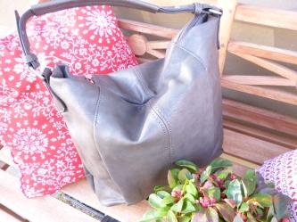 neue Tasche in grau