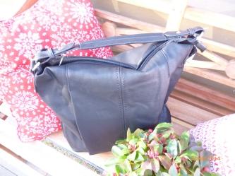 neue Tasche in schwarz